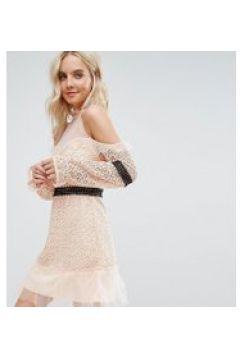 True Decadence Petite - Vestitino in pizzo con spalle scoperte, fascia in vita a contrasto e fondo in rete-Rosa(120336638)