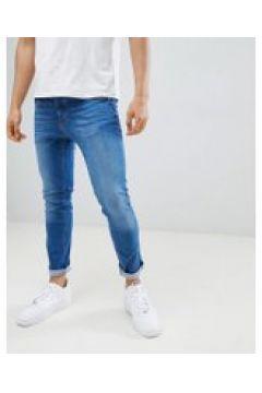 River Island - Enge Jeans in verwaschenem Mittelblau - Blau(83107514)