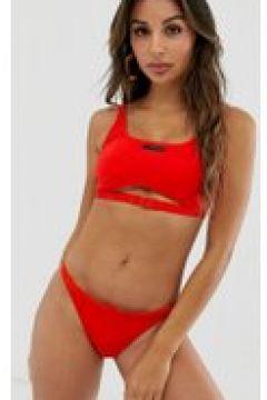 Calvin Klein - Kurz geschnittenes Bikinioberteil in Rot mit Zierausschnitten und Schnalle - Rot(94104077)
