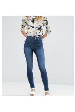 Monki - Oki - Enge Jeans mit hoher Taille und Bio-Baumwolle in Mittelblau - Blau(83127363)