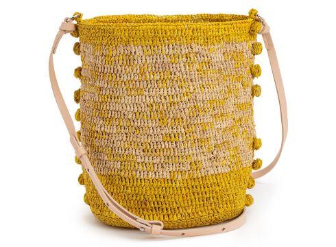 Bolso bucket de rafia y pompones(111099251)